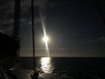 und beleutet unser Schiff die halbe Nacht....